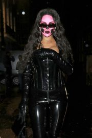 Rihanna at Halloween Party in London 2018/10/31 4