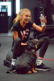 Romee Strijd at a Gym in New York 2018/11/14 7