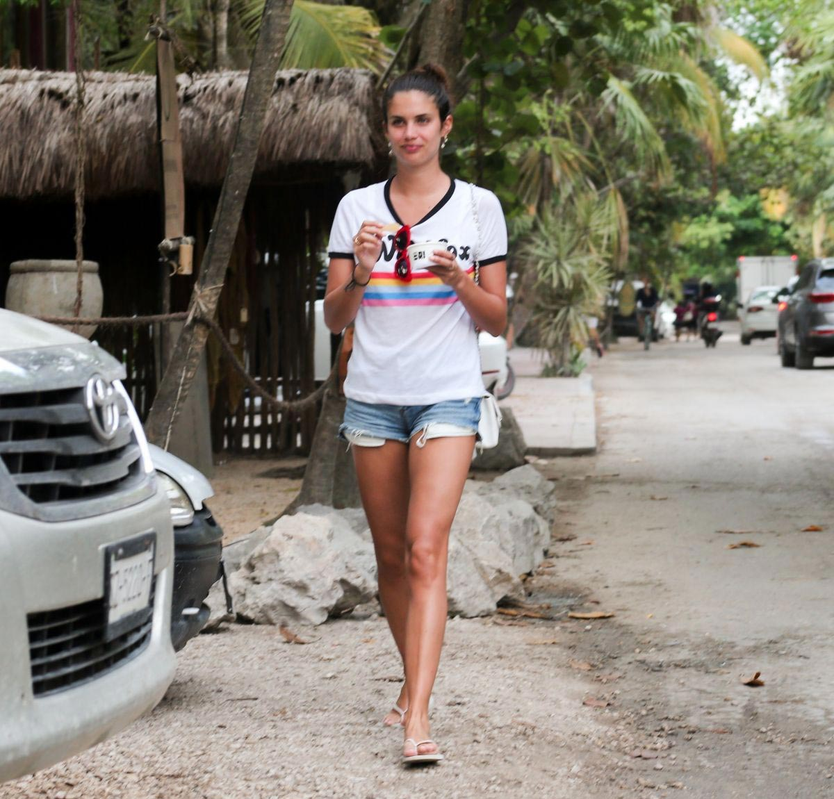 Sara Sampaio Out and About in Tulum 2018/11/27 1