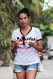 Sara Sampaio Out and About in Tulum 2018/11/27 10