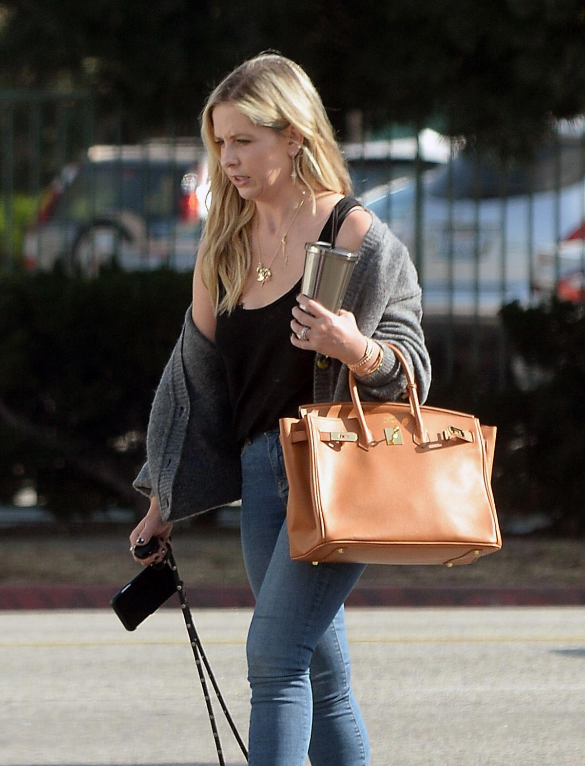 Sarah Michelle Gellar Out and About in Los Angeles 2018/11/20 1