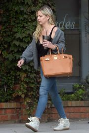 Sarah Michelle Gellar Out and About in Los Angeles 2018/11/20 5