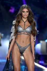 Taylor Hill at Victoria's Secret 2018 Show in New York 2018/11/08 1