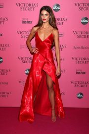 Taylor Hill at VS Fashion Show Afterparty in New York 2018/11/07 4