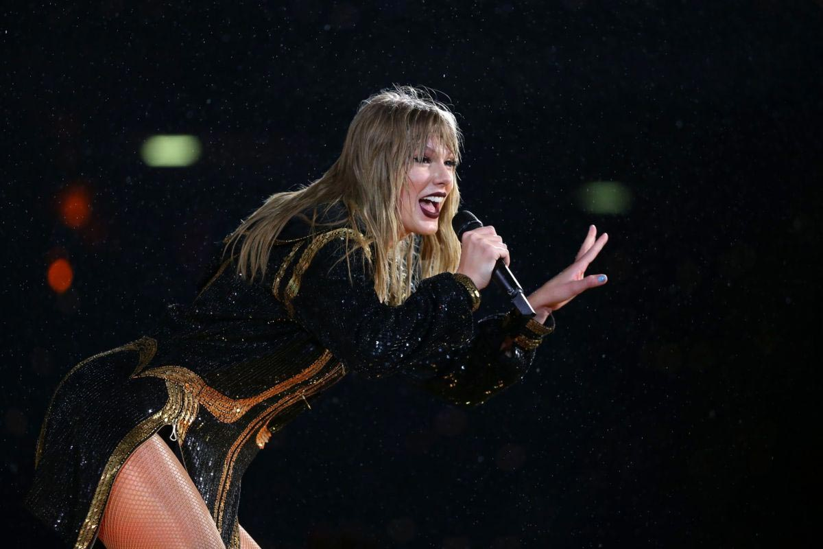 Taylor Swift Performs at Her Reputation Stadium Tour in Auckland 2018/11/09 1