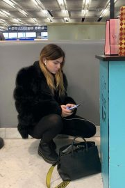 Thylane Blondeau at Orly airport in Paris 2018/11/24 3