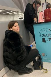 Thylane Blondeau at Orly airport in Paris 2018/11/24 5