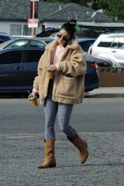 Vanessa Hudgens Out and About in Los Angeles 2018/11/25 2