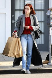 Zoey Deutch Out and About in Los Angeles 2018/11/08 7