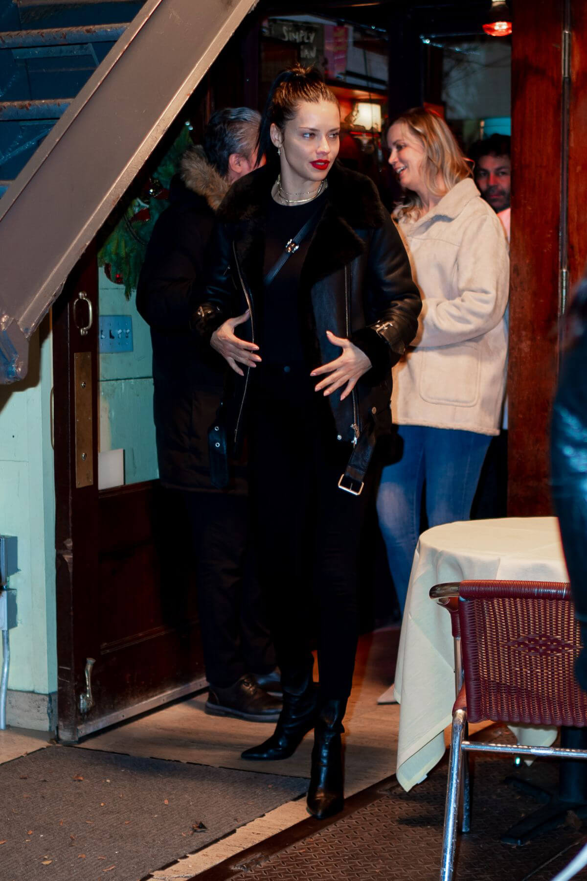 Adriana Lima Leaves Cipriani in New York 2018/12/15 1