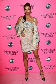Aiden Curtiss at Victoria's Secret Viewing Party in New York 2018/12/02 3