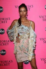 Aiden Curtiss at Victoria's Secret Viewing Party in New York 2018/12/02 10