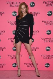 Alexina Graham at Victoria's Secret Viewing Party in New York 2018/12/02 3