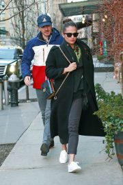 Alicia Vikander and Michael Fassbender Out for Lunch in New York 2018/12/18 1