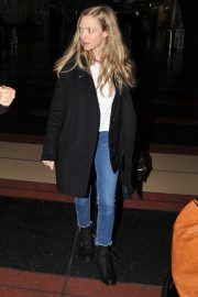 Amanda Seyfried Arrives in Washington D.C. 2018/12/02 1