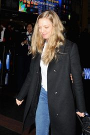 Amanda Seyfried Arrives in Washington D.C. 2018/12/02 5