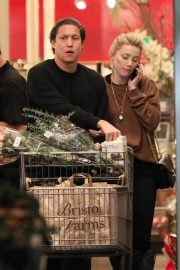 Amber Heard and Vito Schnabel Out Shopping in Los Angeles 2018/12/21 2