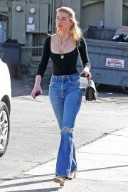 Amber Heard in Ripped Jeans at Cafe D'Etoile in Hollywood 2018/12/20 2
