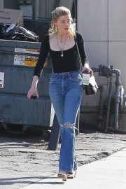 Amber Heard in Ripped Jeans at Cafe D'Etoile in Hollywood 2018/12/20 9
