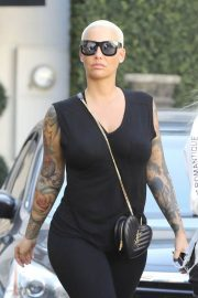 Amber Rose Leaves Epione in Beverly Hills 2018/12/11 3