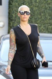 Amber Rose Leaves Epione in Beverly Hills 2018/12/11 7
