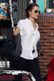 Angelina Jolie Out Shopping in Los Angeles 2018/12/27 7