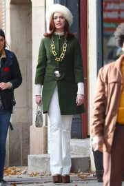 Anne Hathaway on the Set of Modern Love in New York 2018/12/03 13