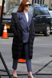 Anne Hathaway on the Set of Modern Love in New York 2018/12/04 1