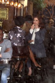 Anne Hathaway on the Set of Modern Love in New York 2018/12/04 5