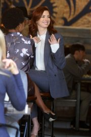 Anne Hathaway on the Set of Modern Love in New York 2018/12/04 6