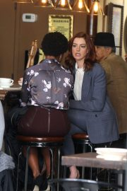 Anne Hathaway on the Set of Modern Love in New York 2018/12/04 7