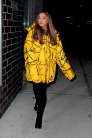 Ariana Grande Arrives at a Recording Studio in New York 2018/12/11 1