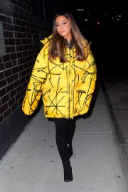 Ariana Grande Arrives at a Recording Studio in New York 2018/12/11 5