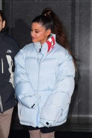 Ariana Grande Leaves Her Apartment in New York 2018/12/05 1