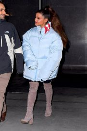 Ariana Grande Leaves Her Apartment in New York 2018/12/05 6