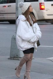 Ariana Grande Out in New York 2018/12/07 3