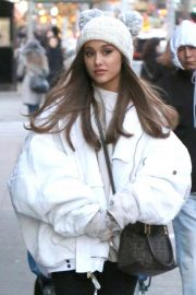 Ariana Grande Out in New York 2018/12/07 9