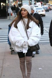 Ariana Grande Out in New York 2018/12/07 10