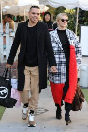 Ashlee Simpson and Evan Ross Out for Lunch in West Hollywood 2018/12/29 1