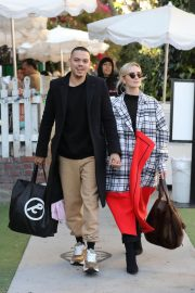 Ashlee Simpson and Evan Ross Out for Lunch in West Hollywood 2018/12/29 2