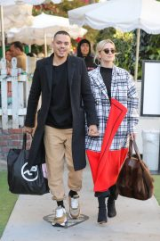 Ashlee Simpson and Evan Ross Out for Lunch in West Hollywood 2018/12/29 6