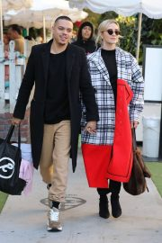 Ashlee Simpson and Evan Ross Out for Lunch in West Hollywood 2018/12/29 7