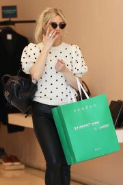 Ashlee Simpson Out Shopping in Beverly Hills 2018/12/11 3