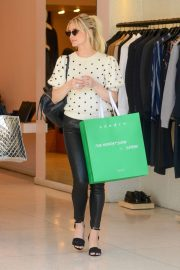 Ashlee Simpson Out Shopping in Beverly Hills 2018/12/11 4