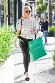 Ashlee Simpson Out Shopping in Beverly Hills 2018/12/11 8