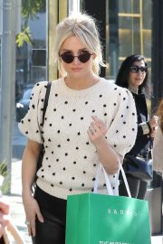 Ashlee Simpson Out Shopping in Beverly Hills 2018/12/11 9