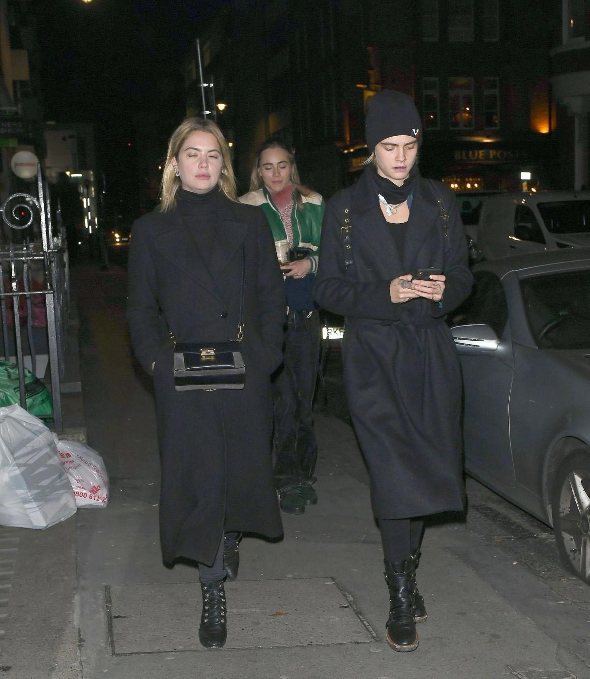 Ashley Benson and Cara Delevingne Night Out in London 2018/11/21 1