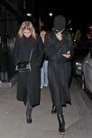Ashley Benson and Cara Delevingne Night Out in London 2018/11/21 3