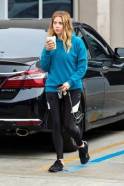 Ashley Benson Out for Coffee in Los Angeles 2018/12/10 7