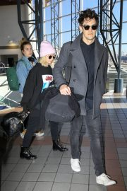 Ashley Tisdale at Los Angeles International Airport 2018/12/08 4